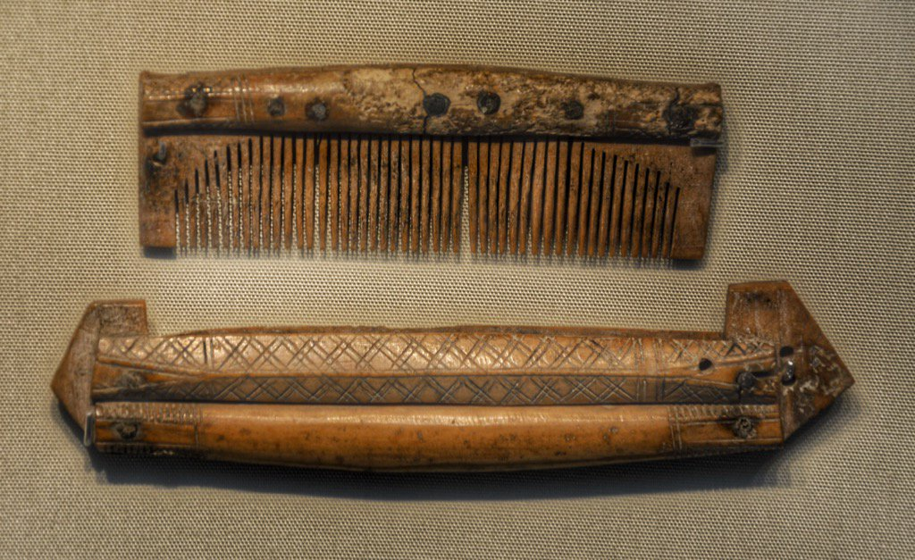 Viking Antler comb & case, from Jorkik (York) photographed in display at @britishmuseum circa 900-1099 AD https://t.co/JCYCv8G2EE