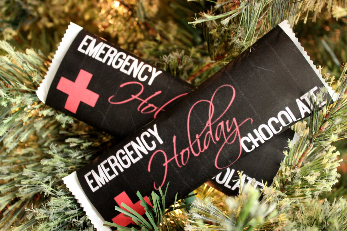 Emergency Holiday Chocolate - #Free #Printable on the blog today! #Christmas https://t.co/tX2R4dpCn3 https://t.co/5AC0uBi1eT