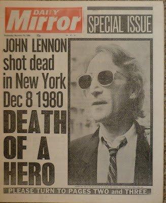 8 Dec 1980 John Lennon was shot 5 times by Mark Chapman outside the Dakota building  https://t.co/qp6qRd2pGo https://t.co/q4isTkgEB5