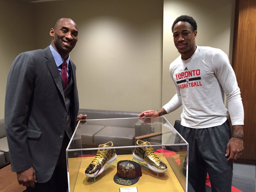 We couldn't let @kobebryant leave without a token of our appreciation. A @Raptors gift for one of the GOATs. #Kobe20 https://t.co/PIZJz2iLxZ