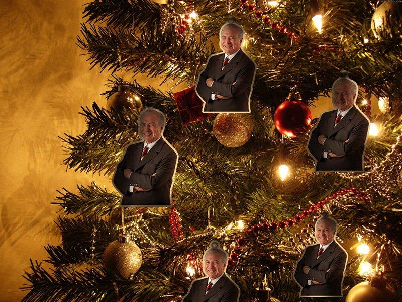 Enfeite sua árvore de natal com Vice Decorativo.  #CartaDoTemer https://t.co/62yJ4Z2Guj