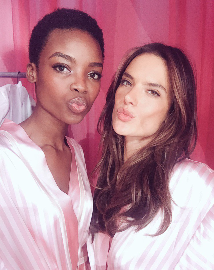 RT @IamMariaBorges: All Eyes on you tonight  @victoriassecret on @cbstv  #vsfs2015 ???????? 10/9c ???????????? https://t.co/nYqh2Sm7CB