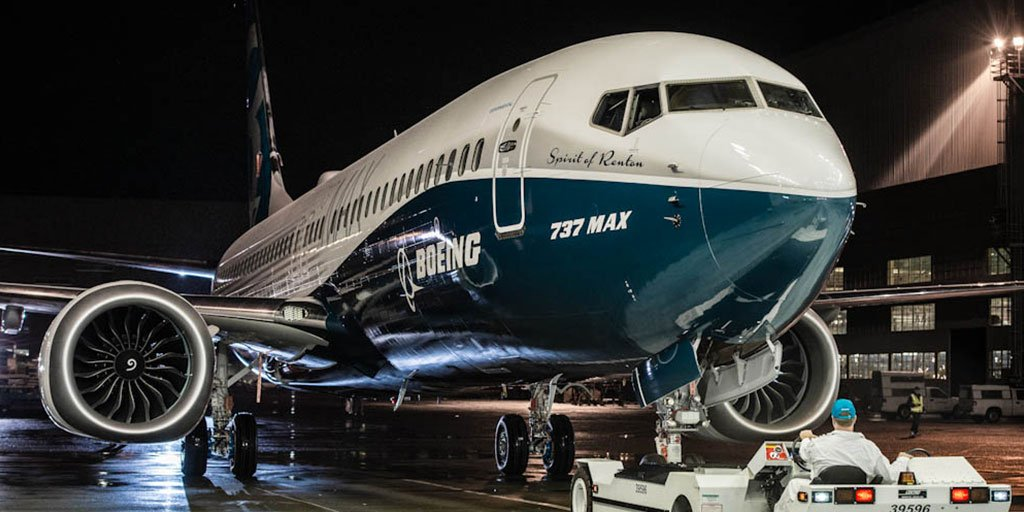 Here she is! We're proud to debut the very first #737MAX https://t.co/M6Z0nzNEgu #Boeing https://t.co/4gsFzRvmJT