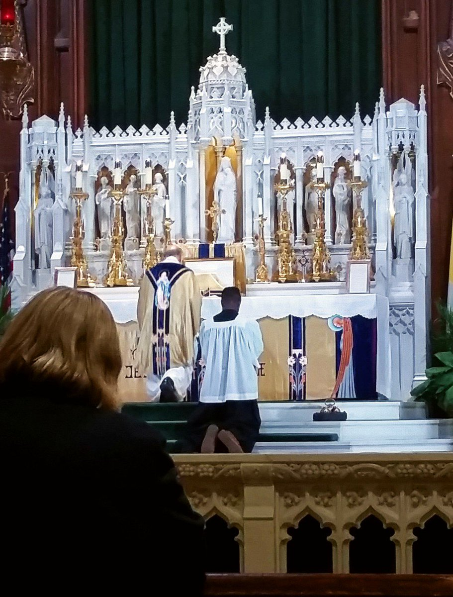 Tridentine Catholic Mass today Celebrating the Immaculate Conception of Mary https://t.co/3jah9YAoYA