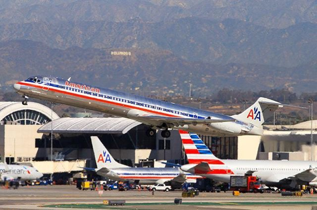 [PIC] Perfect tuesdaytakeoff for exciting launch @AmericanAir is getting ready for @ LAX!