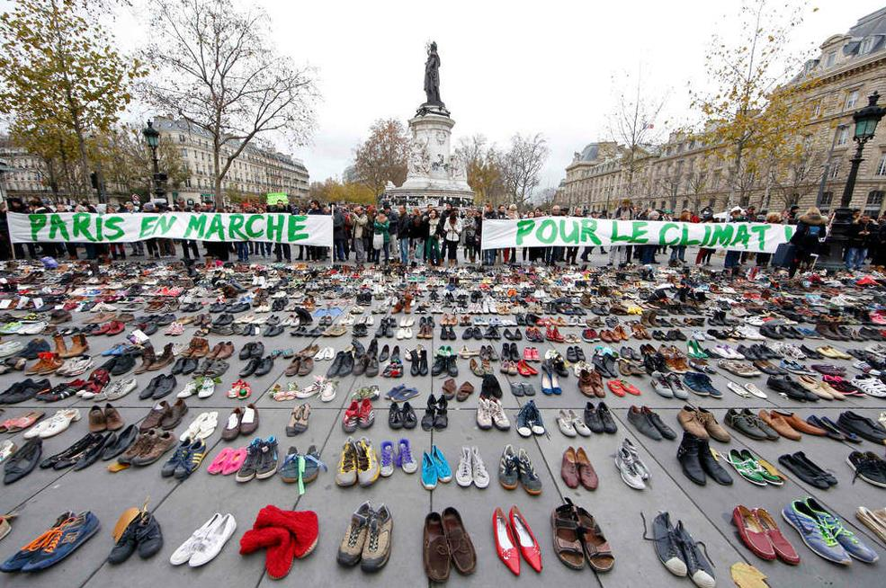 Zapatos contra el Cambio Climático https://t.co/Tb3d9iDdbO Imagen que incoporo en #protestas https://t.co/ZwyNw4vpfM https://t.co/dLKxI0oJzO