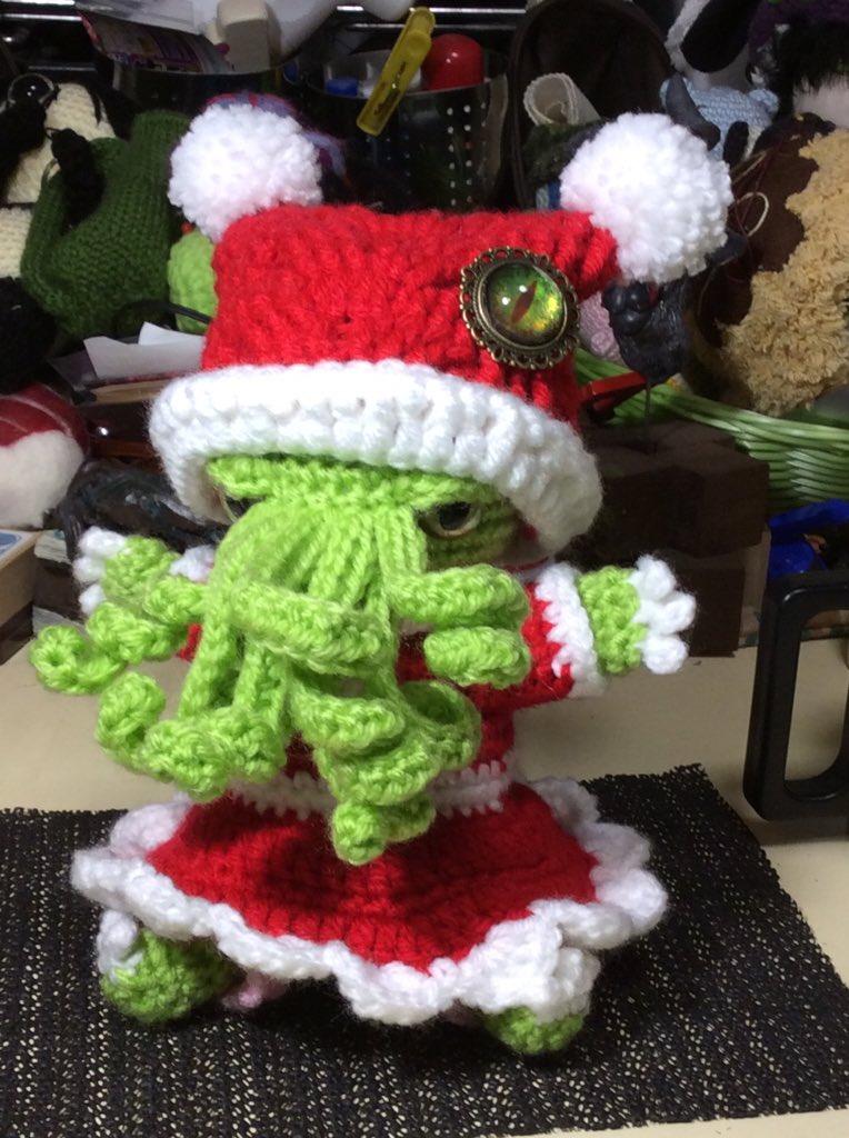 デモニッククリスマスの子、1柱め。ちかれたのでとりあえず雑な写真だけどジングルベージングルベー♪( ´▽`) https://t.co/adJgbYJKJV