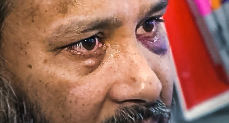 Muslim store owner in tears after he's beaten by New York man on mission to 'kill Muslims' https://t.co/LwmVIXitIU https://t.co/xbnkfZJwua