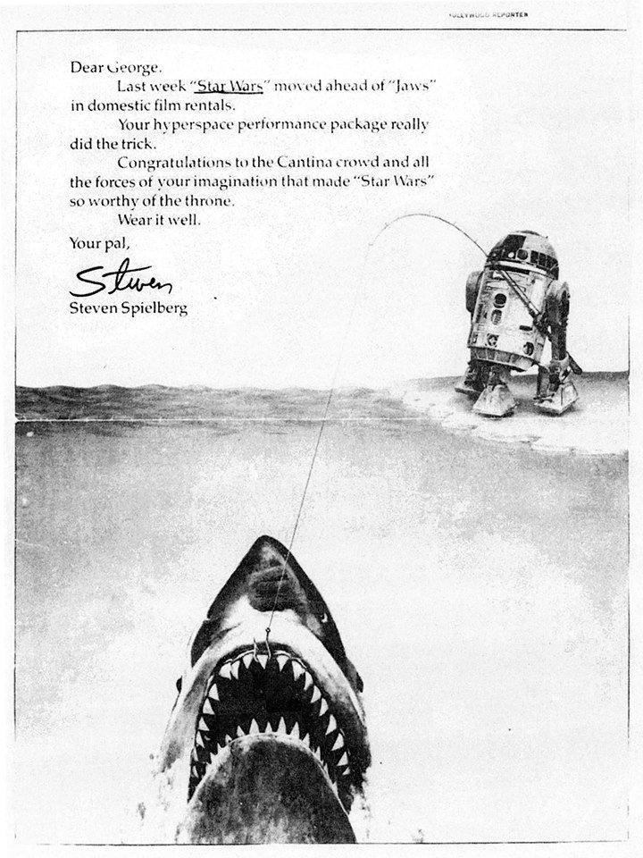 スターウォーズがジョーズの記録を破ったときに、スピルバーグがルーカスにおくった祝福の広告と、E.T.がスターウォーズの記録を破ったときに、ルーカスがスピルバーグにおくった祝福の広告と、今回のジュラシックワールドからの広告。いいね! https://t.co/bJ3nuiasVo