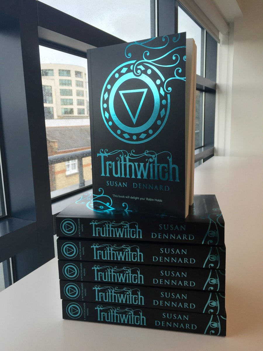 We're feeling festive this #TruthwitchTuesday. RT to win 1 of the LAST 10 UK ARCS! T&Cs: https://t.co/t4c0Xjv4VU https://t.co/JMwSZpF8dA