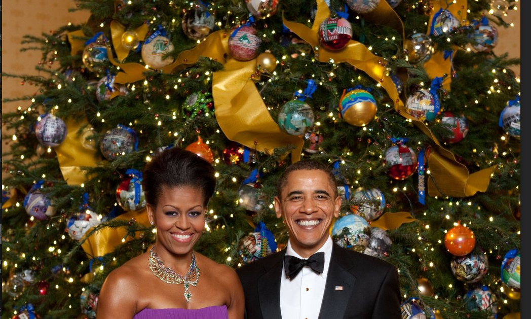 #HappyHolidays to our #Classy First Couple.They have made us #proud  in 2 terms! #Uniteblue  #StandwithPP #stoprush https://t.co/Lmhs6JznYn