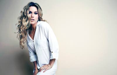 Billboard names Joss Stone reggae artist for 2015  Details: https://t.co/jRS5iLH01O https://t.co/Ki727RJnmG