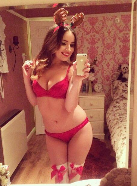 Merry Christmas #HustleBootyTempTats #ImAPaulHeymanGirl ???☃? qUI3NNNimo