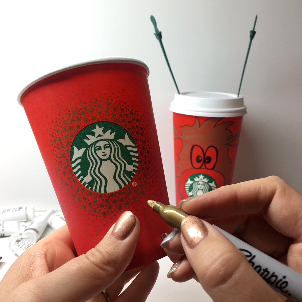Do you draw on unusual canvases? Me too! #RedCupArt   #HolidaySpirit #Joy #Art #Starbucks https://t.co/pJlX7JnjH3
