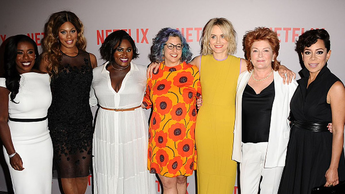 orange is the new black' cast gives 'the night before christmas' a ...