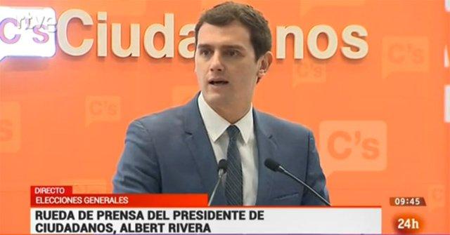 """.@Albert_Rivera: """"Queremos proponer a @PPopular y @PSOE un pacto de Estado para garantizar la unidad de España"""". https://t.co/CJ2hUpQiXv"""