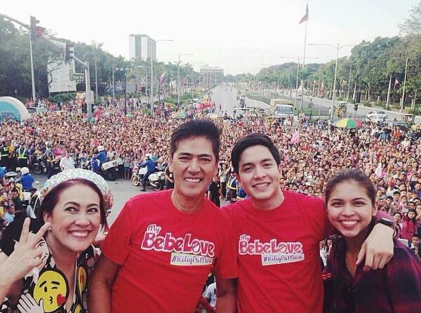 AlDub dominates MMFF Parade of Stars - Read: https://t.co/B1ZRoBNIxs #BeFullyInformed https://t.co/xkfFXG9FEr