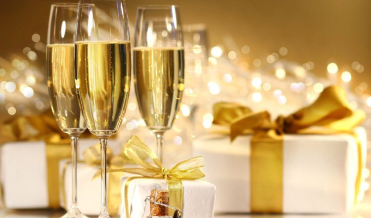 Wishing you all a #MerryChristmas DJ x https://t.co/Ezm9NcFjmN