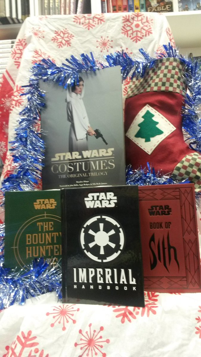 Day 23 #TitanXmas #RTtoWin a #StarWars bundle. UK only. Ends tomorrow 12pm. https://t.co/2mcukx3XaX