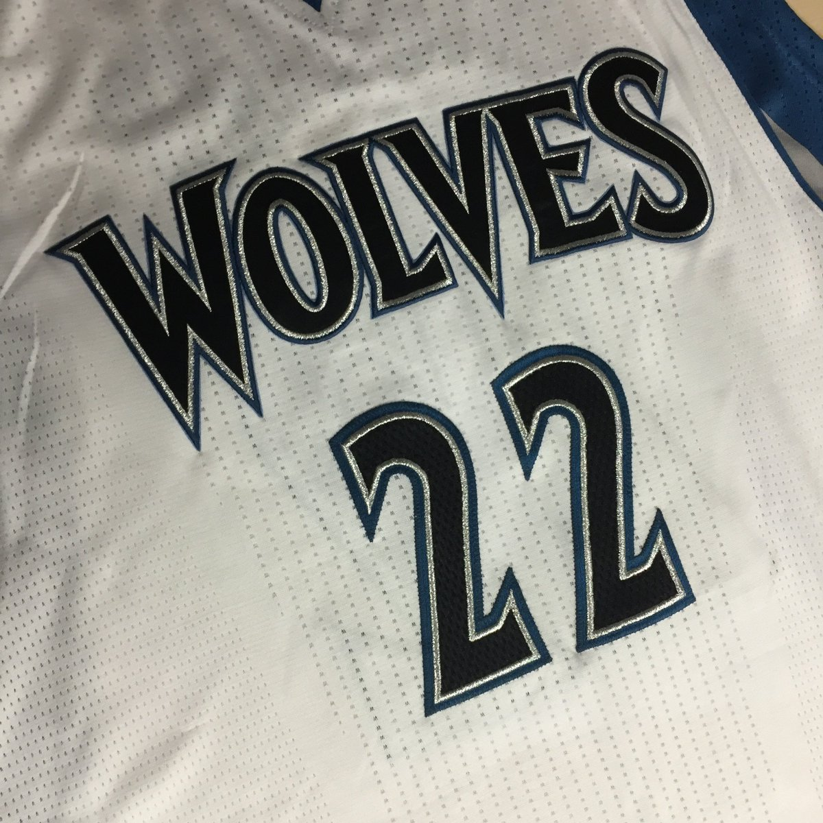 Tis the season for giving. We want to give you a signed Wolves jersey! Follow & RT to win. https://t.co/OwEI28IgKG. https://t.co/oT7fzelswY