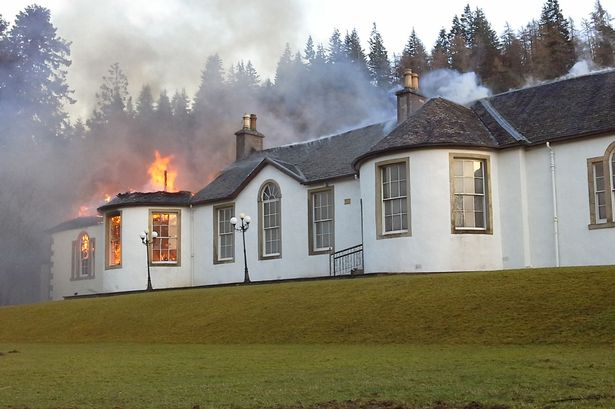 Boleskine House - legendary abode of both Aleister Crowley and Jimmy Page - gutted by fire. https://t.co/MIHsXNaWc3 https://t.co/sGmQZ9kunO