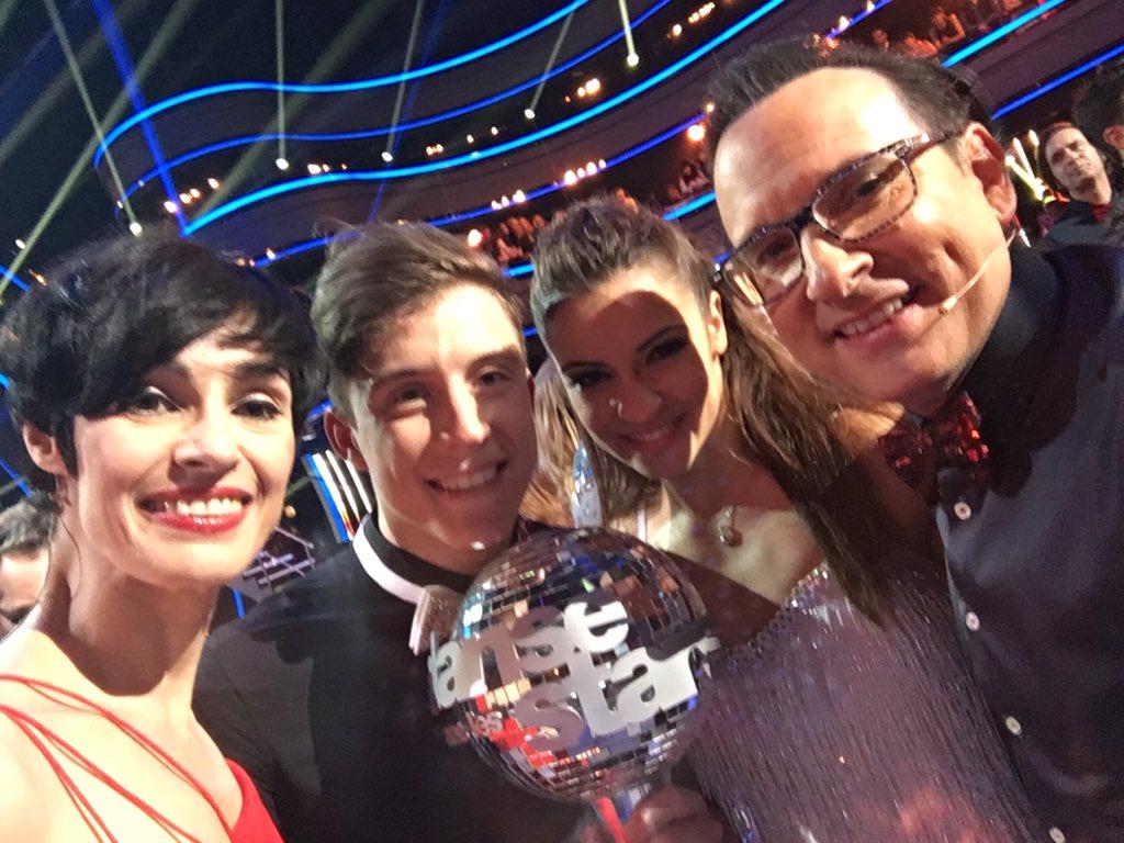 Grands gagnants de la saison 6!!!... Avec @MCPietragalla https://t.co/41Ic2gu7kd