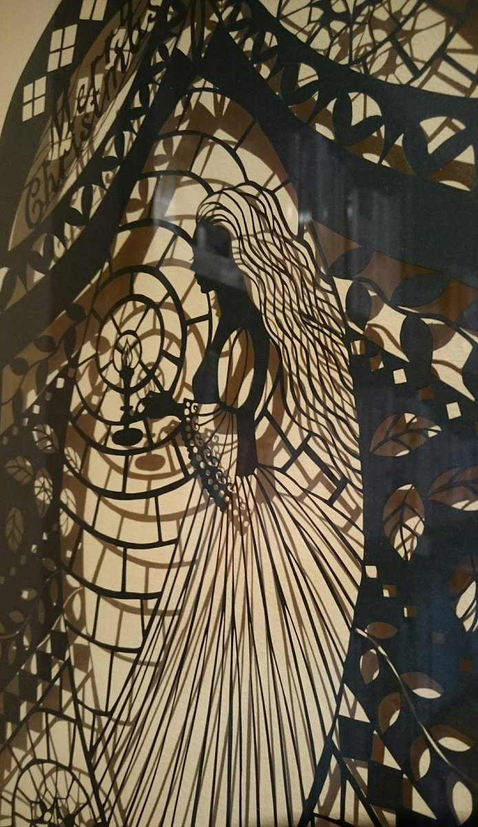 「おくるいろ いのるかたち」 【かたちをつくるひと】  クリスマスイブ 貝の小鳥では かんべさおりさん@irowas 「聖夜」の美しい人が ご来店をお待ちしております。 黒の世界に灯された小さな光が 柔らかく温かく拡がっています。 https://t.co/ZcXGYezlQH
