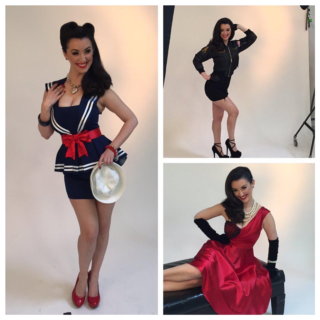 Classic #pinupbeauty by @BeautyAndPinups @janinejarman w/ @pinupsforvets #lipstickmouth #loveitliveitownit https://t.co/quwKfMrqG6
