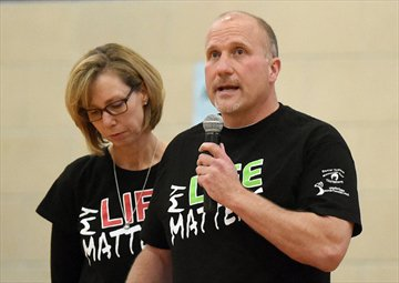 Ranton's parents talk suicide prevention at tourney named for son. #Waterloo  @WCIathletics https://t.co/nJaT0cpt6w https://t.co/YmM06Kolgz