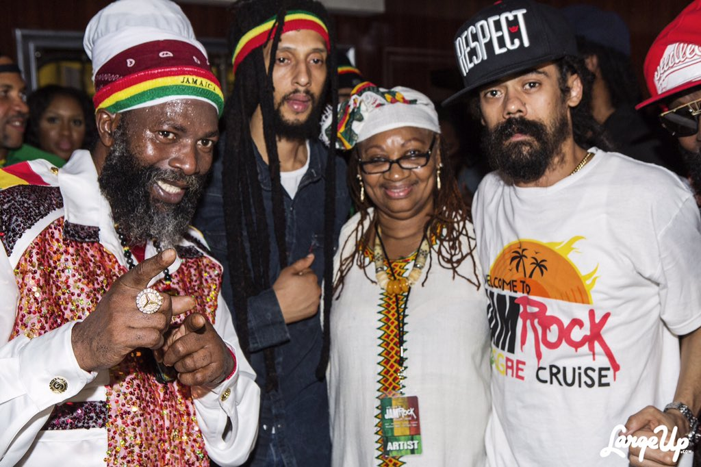 #WelcomeToJamrockCruise2015 with @JulianMarley, my manager Ms Kemp, @damianmarley https://t.co/VkNbWixnOY