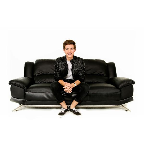 We're so excited to host @jordandoww's hilarious comedy show #HollyWEIRD! Tickets on sale in only 2 days! https://t.co/VB8SWmhpCd