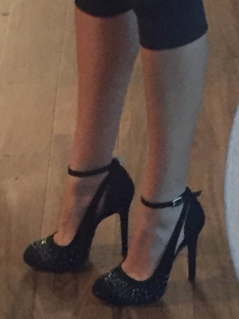 Do you guys like my new #heels ? 3ZtVNEjdhW