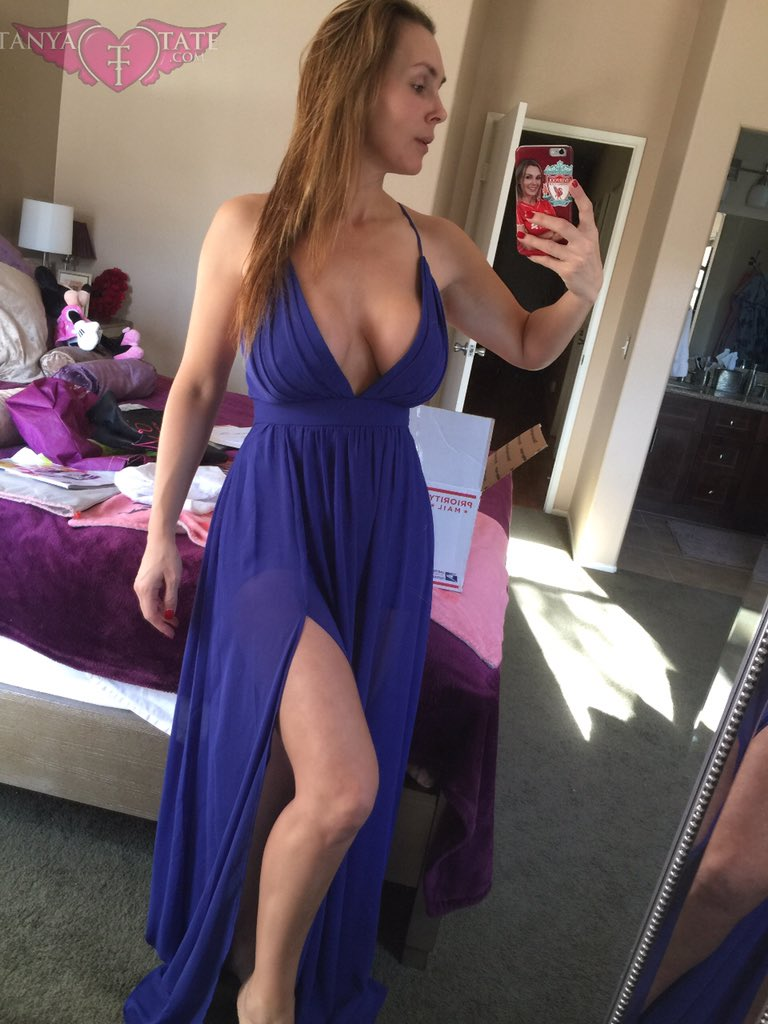 Trying on some clothes do you think this will make a good #avnawards #redcarpet