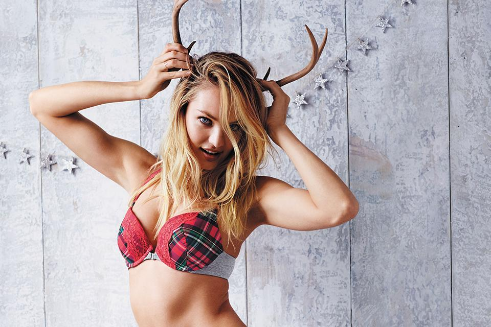 Red lace + holiday plaid AKA when antlers make the outfit. #TisTheSecret https://t.co/JNt5A2TFZ7 https://t.co/RUqWgyPGCX