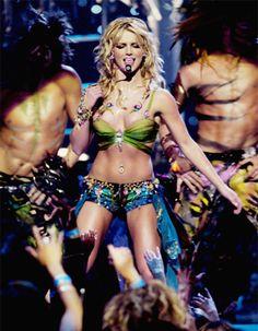 Slaveney #MTVStars Britney Spears @hannahspears https://t.co/yoVEf3s3UA