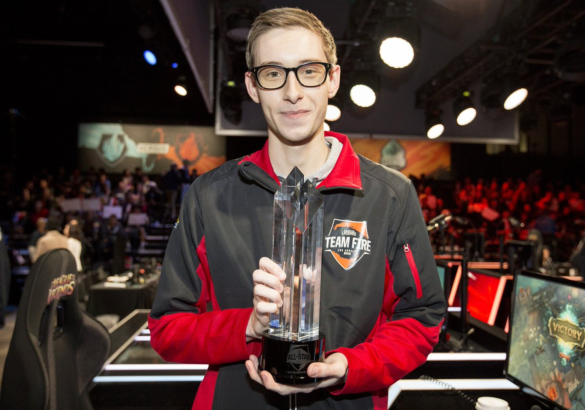 Spoke with @Bjergsen after his  #AllStar 1 vs. 1 tourney win. Why Vel'Koz?! :P  GG Bjerg!  https://t.co/NmVyViQMVB https://t.co/SB1j13Vnyp