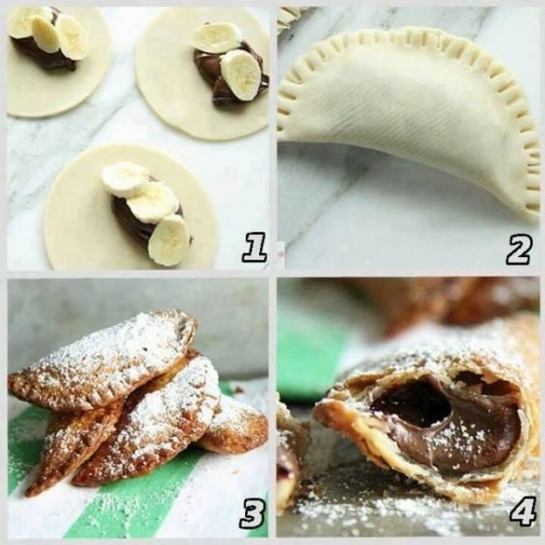 ما رأيكم بهذه الفكرة: السمبوسة بالموز والشوكولاتة المقليّة والمزيّنة بالسكر البودرة! من سيجربها؟ https://t.co/k5kAFzLucW