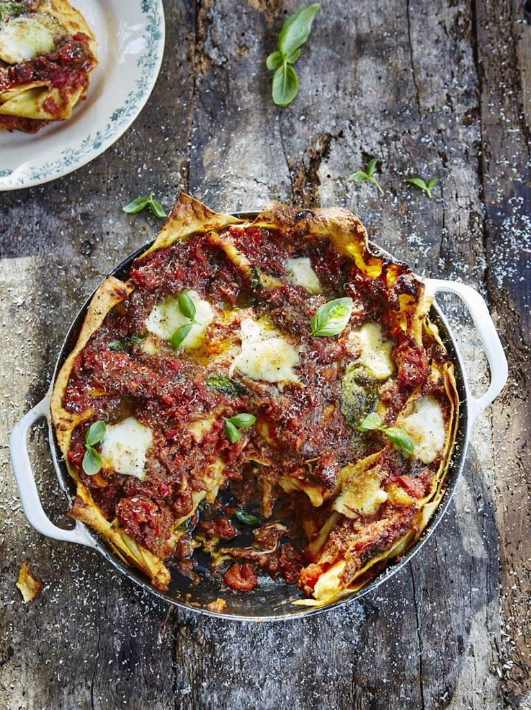 #recipeoftheday Everybody loves lasagne & this vegetarian option is mouth-watering! https://t.co/Pfmtat6DSb https://t.co/bwhNwVzLup
