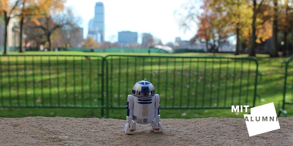 #StarWars characters are loose @MIT! Look for photos & share your own as we count down to #theforceawakens. https://t.co/jm3ikUuoAJ