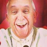 Move over @KimKardashian! @Pontifex posts his first selfie https://t.co/xGoEQQk3CA https://t.co/SIkMIXzwug