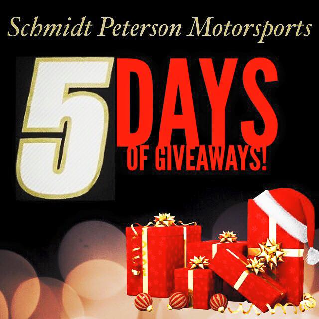 Interested in winning some MEGA autographed SPM #IndyCar prizes? Simply RT to be entered in todays giveaway! #SPM5DG https://t.co/2ZUTV7QKax
