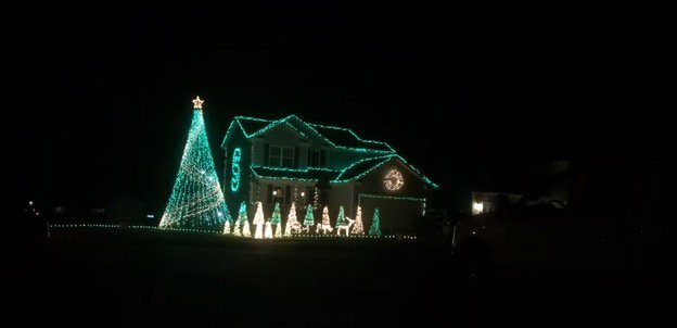 video michigan state fan wows with christmas light show set to spartans fight song https - Christmas Light Show Michigan