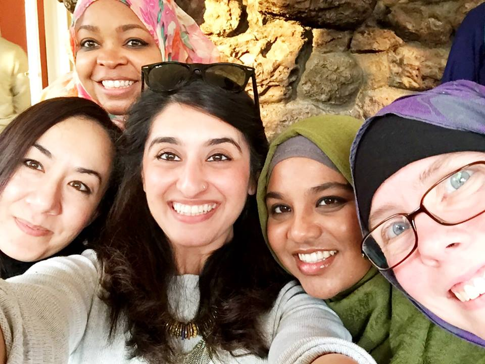 .@TheMemorist's selfie game is strong. @namirari @Margari_Aziza @MuslimahMontage #AMELIntensive @MuslimARC https://t.co/T7zqb91Kkh