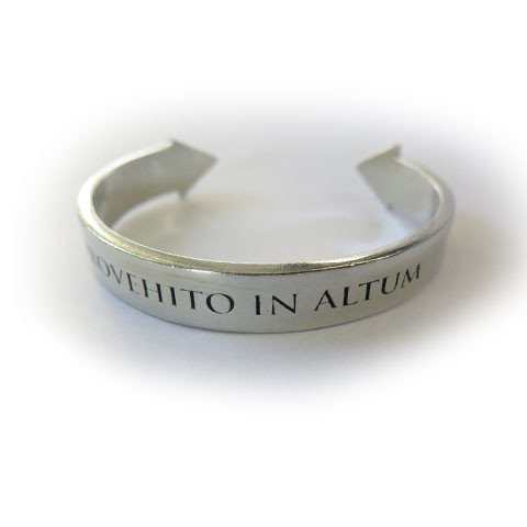 RT @30SECONDSTOMARS: ⭐️ Back In-Stock: Save 10% on the PROVEHITO IN ALTUM Cuff, TODAY ONLY! | https://t.co/wqTWrwp77A https://t.co/vZgSnXZx…