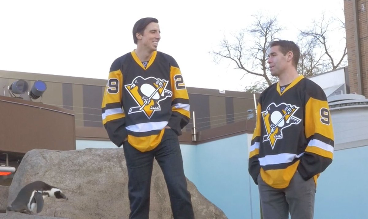 Don't miss the behind-the-scenes look at our Jan.'16 cover photo shoot with the @penguins! https://t.co/4yhjcUCkZo https://t.co/Kicldp0KEt