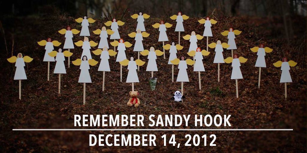 Pausing for a moment to remember #SandyHook https://t.co/fMRs4sBUnJ