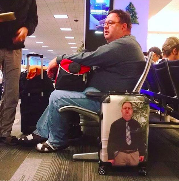 Guaranteed Way To Make Sure Your Luggage Never Gets Stolen - https://t.co/LRdVsF70aO via @OneMileataTime https://t.co/KjEgKgYFbt