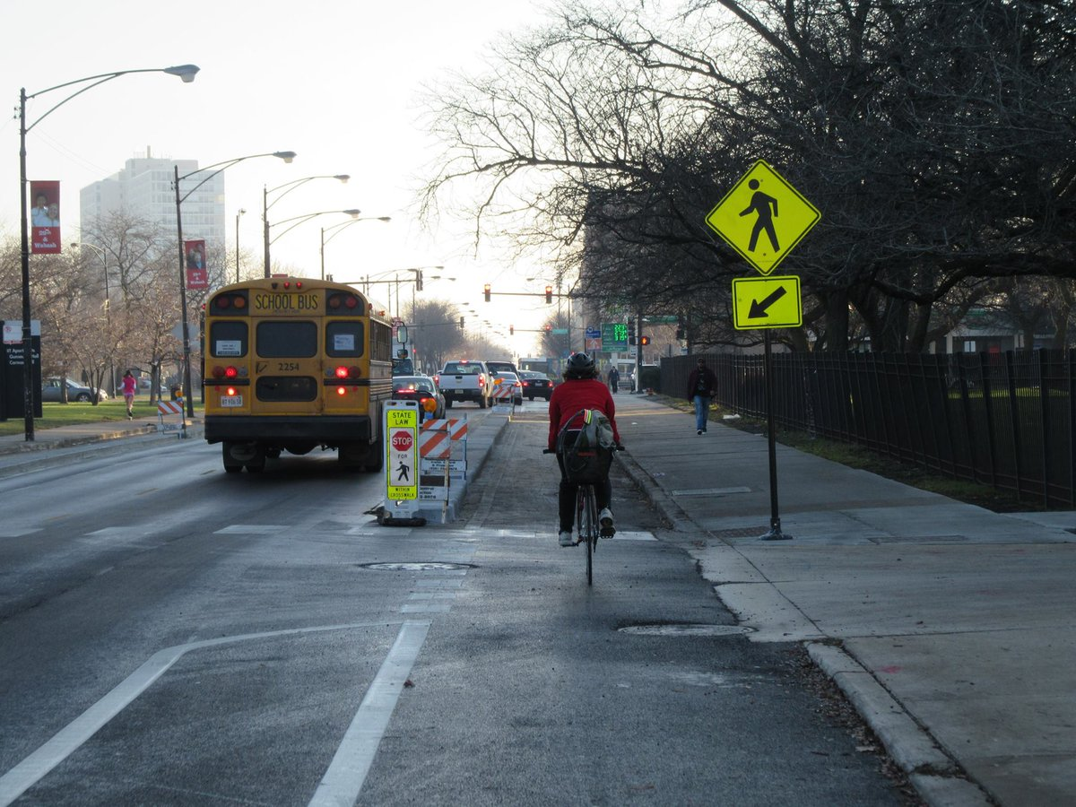 .@ChicagoDOT just installed Chicago's 4th bike lane w/ concrete protection on 31st Street in Bronzeville. https://t.co/ppbkgA8Vy9