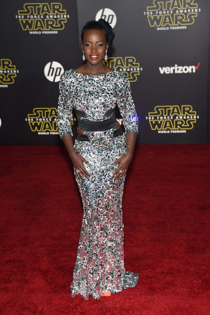 .@Lupita_Nyongo in Alexandre Vauthier Spring 2015 couture at the #StarWarsForceAwakens premiere. More later! https://t.co/kujWtwqu3G