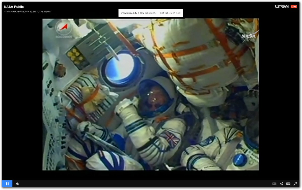 THUMBS UP from @astro_timpeake #TimPeake https://t.co/s4J80DBuaY